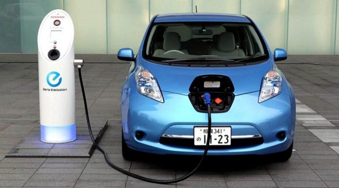 Mercado de vehículos híbridos y eléctricos de Colombia se consolidó en 2020 Autos electricos 696x387 1
