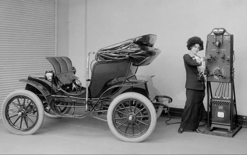 Cinco coches eléctricos clave en la historia moderna del automóvil Cinco coches eléctricos clave en la historia moderna del automóvil Screen Shot 2021 01 09 at 12
