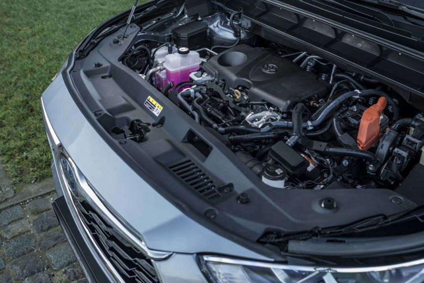toyota Mercedes vs Toyota: ¿quién tiene mejores coches híbridos? AAKp8kO 862x575
