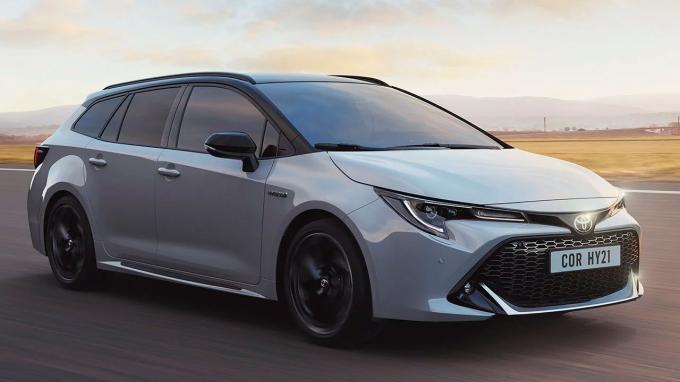 toyota Toyota convierte uno de sus modelos clásicos en un nuevo deportivo toyota corolla touring sports gr sportjpg